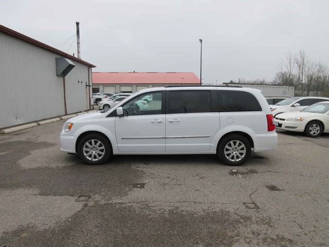 2016 CHRYSLER TOWN AND COUNTRY TOURING in Cayuga, Ontario