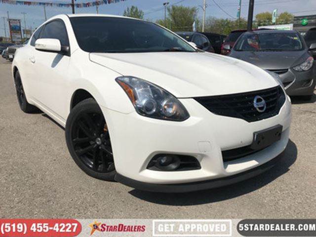 2011 NISSAN ALTIMA 3.5 SR   ROOF   LEATHER   CAM   CUSTOM EXHAUST in London, Ontario