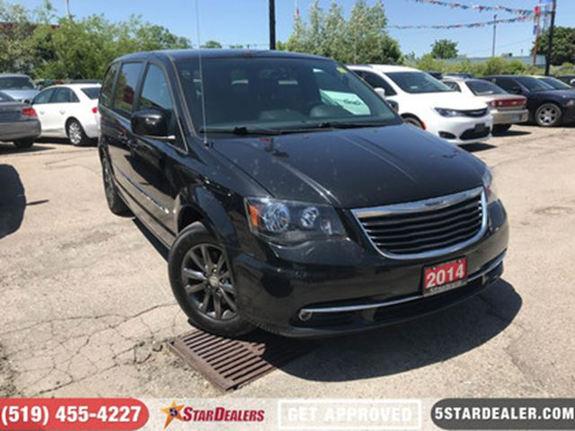 2014 CHRYSLER TOWN AND COUNTRY S   ONE OWNER   DVD   LEATHER   CAM in London, Ontario