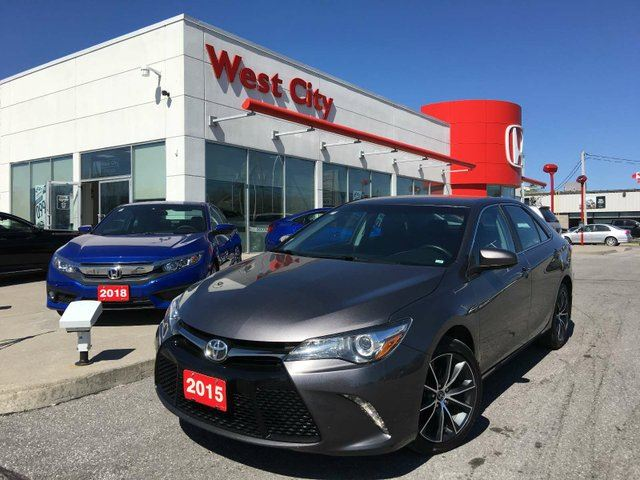 2015 TOYOTA Camry XSE,HEATED SEATS,NICE RIMS! in Belleville, Ontario