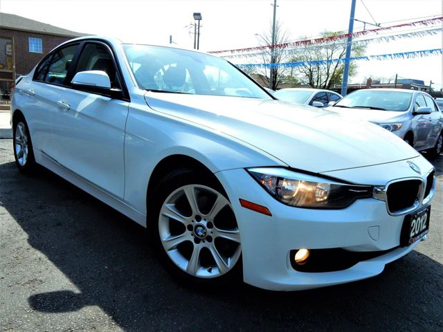 2012 BMW 3 SERIES 320i  6-SPEED MT  LEATHER  ACCIDENT FREE in Kitchener, Ontario