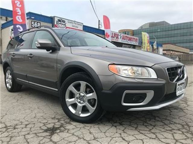 2010 VOLVO XC70 3.2 A_Leather_Sunroof_Blind Spot Mirrors in Oakville, Ontario