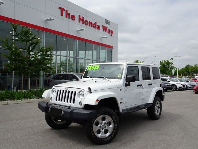 2015 JEEP WRANGLER Unlimited Unlimited Sahara 4WD in Abbotsford, British Columbia