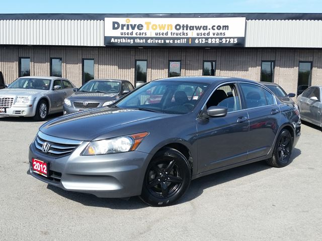 2012 HONDA Accord LX **NICE LOW PAYMENT**NICE FUEL ECONOMY** in Ottawa, Ontario
