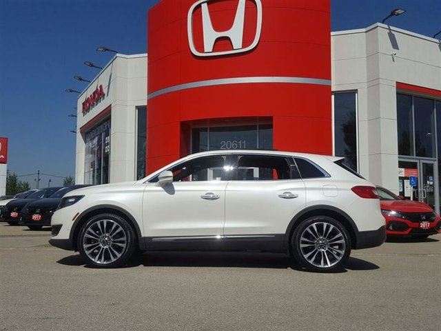 2016 LINCOLN MKX Reserve in Maple Ridge, British Columbia