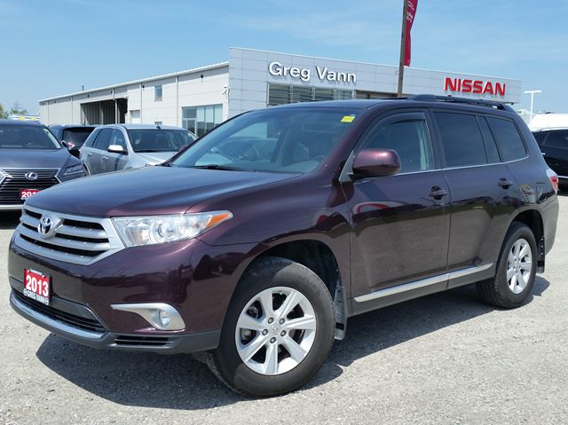 2013 TOYOTA HIGHLANDER 4WD w/all leather,pwr moonroof,climate control,3rd row seating in Cambridge, Ontario