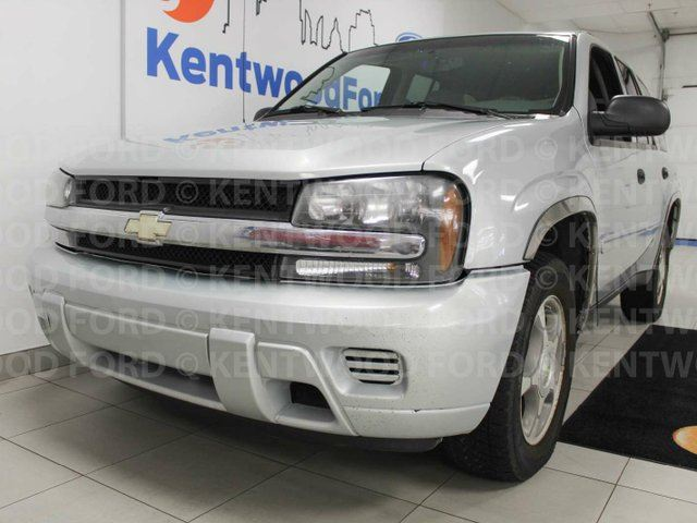 2007 CHEVROLET TRAILBLAZER LS Trailblazer, power seats and more space than the universe in Edmonton, Alberta