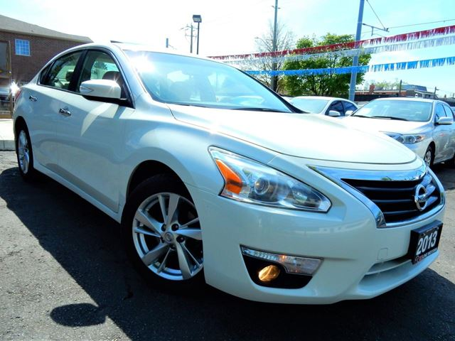 2013 NISSAN Altima 2.5 SL TECH  NAVIGATION.CAMERA  LEATHER.ROOF in Kitchener, Ontario