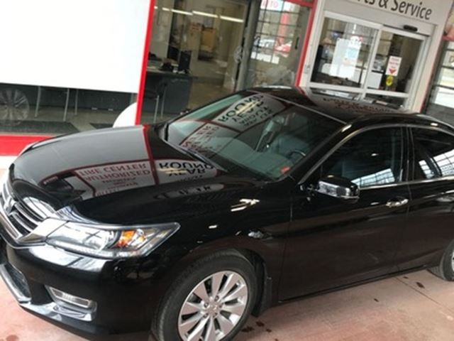 2013 HONDA ACCORD EX-L V6   LEATHER   ROOF   HEATED SEATS in London, Ontario