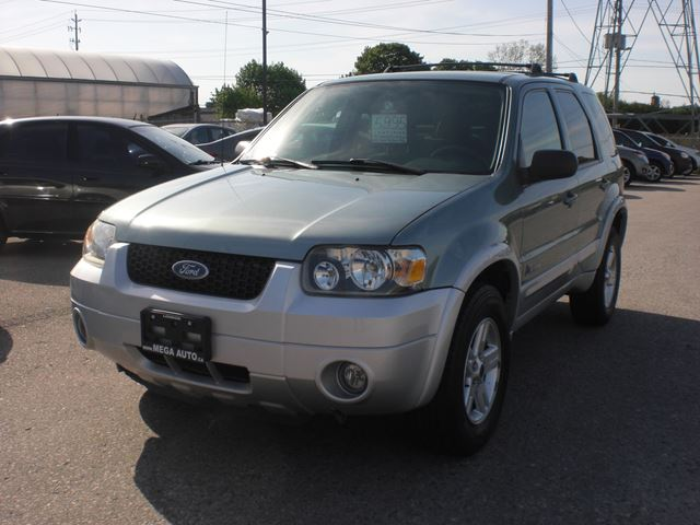 2005 FORD ESCAPE Hybrid in London, Ontario