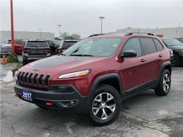 2017 JEEP CHEROKEE TRAILHAWK**SUNROOF**NAVIGATION**BLUETOOTH** in Mississauga, Ontario
