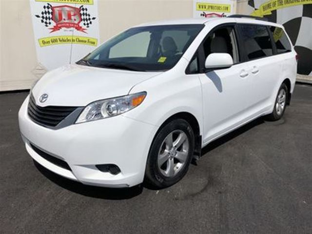 2013 TOYOTA SIENNA LE, Automatic, 3RD Row Seating, in Burlington, Ontario
