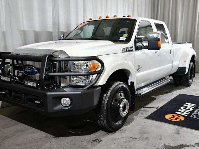 2015 FORD F-450 Lariat 4x4 SD Crew Cab 8 ft. box 172 in. WB in Red Deer, Alberta