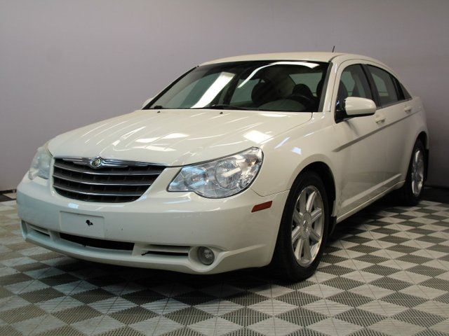 2007 CHRYSLER SEBRING Touring - Local Alberta Trade In | Factory Remote Starter | Remote Entry | All Power Options | Climate Control with AC | AUX Input | 18 Inch Wheels | Spacious Interior and Trunk | Well Looked After in Edmonton, Alberta