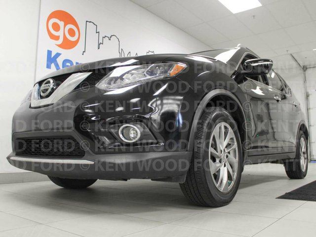 2014 NISSAN ROGUE SL AWD with sunroof, back up cam, heated power leather seats in Edmonton, Alberta