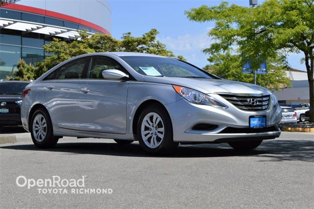 2011 HYUNDAI SONATA GL in Richmond, British Columbia