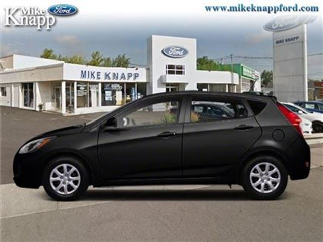 2012 HYUNDAI ACCENT GLS - Sunroof -  Bluetooth in Welland, Ontario