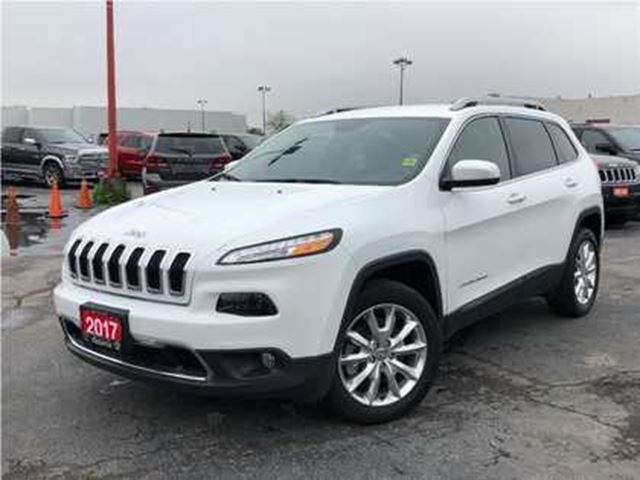 2017 JEEP CHEROKEE LIMITED**LEATHER**NAVIGATION**ONLY 9365 KMS** in Mississauga, Ontario