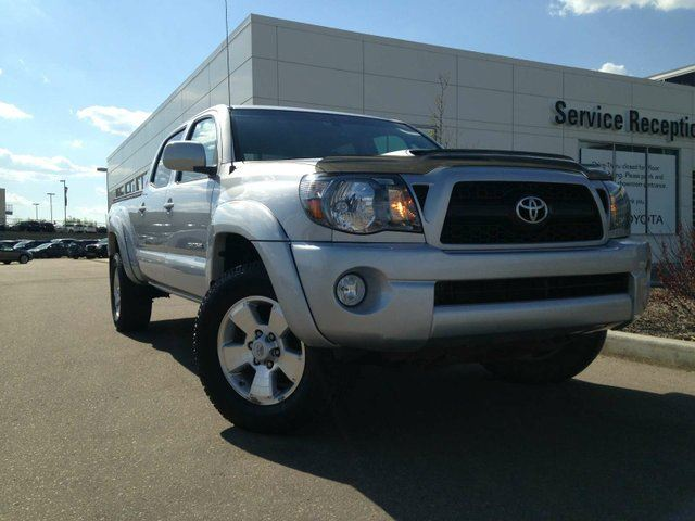 2011 TOYOTA TACOMA V6 Tonneau Cover, Backup Camera, A/C in Edmonton, Alberta