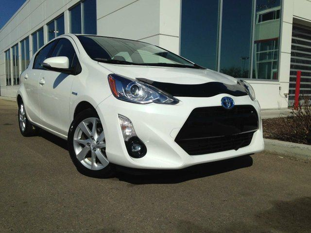 2016 TOYOTA PRIUS Hybrid Navigation, Backup Camera, Sunroof, Heated Seats in Edmonton, Alberta