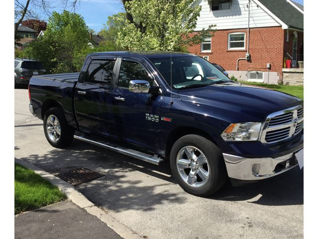 2014 DODGE RAM 1500 4WD Crew Cab 140.5' Big Horn in Mississauga, Ontario