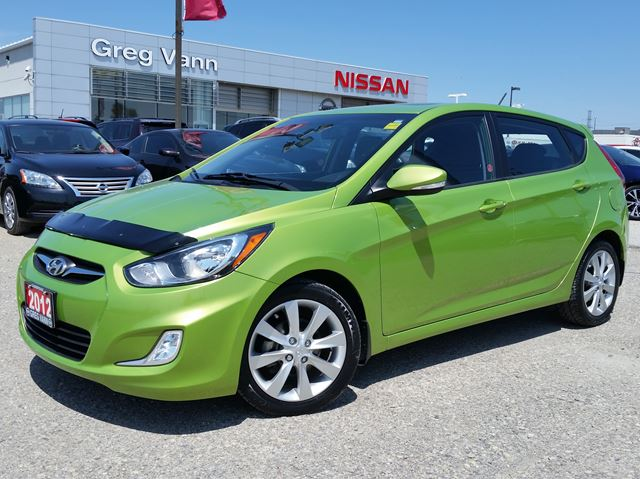 2012 HYUNDAI ACCENT SE w/alloys,pwr moonroof,heated seats,sxm radio in Cambridge, Ontario