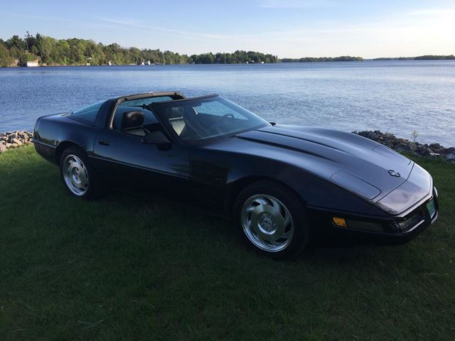1993 Chevrolet Corvette ONLY 30100 km 6 Speed manual in Perth, Ontario