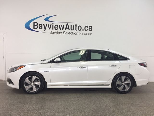 2016 HYUNDAI SONATA Limited - PANOROOF! HTD LTHR! DUAL CLIMATE! NAV! RCTA! in Belleville, Ontario