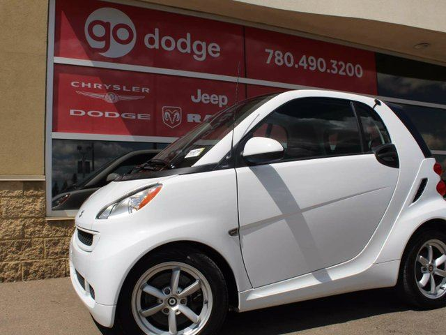 2011 SMART FORTWO Pure / Heated Front Seats in Edmonton, Alberta