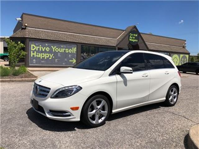 2014 MERCEDES-BENZ B-CLASS 250 Sports Tourer / PANORAMIC SUNROOF in Fonthill, Ontario