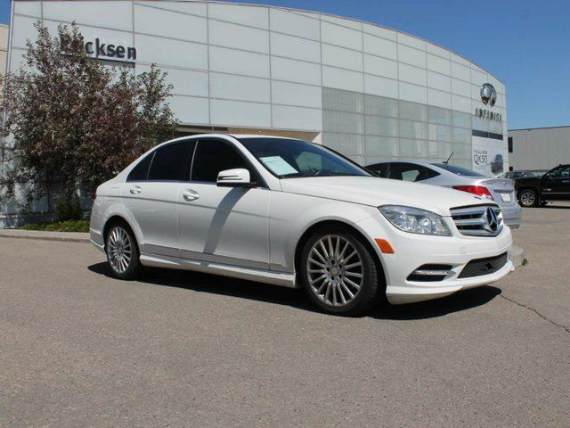2011 MERCEDES-BENZ C-CLASS ACCIDENT FREE/ALL WHEEL DRIVE/HEATED SEATS in Edmonton, Alberta