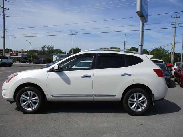 2012 NISSAN ROGUE SV HEATED SEATS, BACK UP CAM, BLUETOOTH, ALLOYS!! in Kingston, Ontario