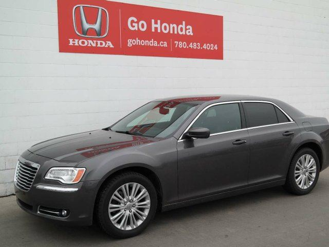 2014 CHRYSLER 300 AWD, LEATHER, NAVIGATION in Edmonton, Alberta