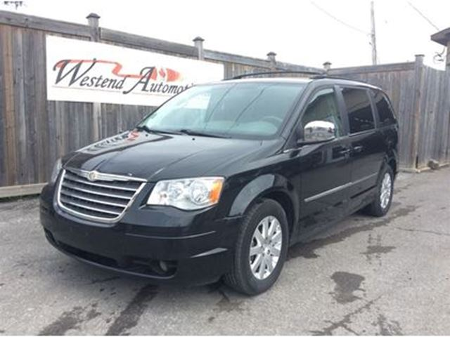 2010 CHRYSLER TOWN AND COUNTRY Touring in Ottawa, Ontario