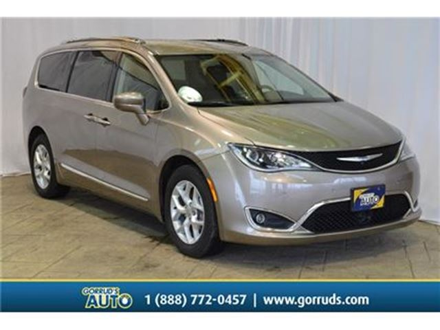 2017 CHRYSLER PACIFICA Touring L Plus /NAV/LEATHER/HEATED SEATS/CAMERA in Milton, Ontario