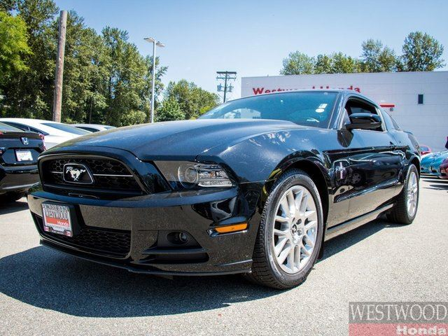 2014 FORD MUSTANG V6 in Port Moody, British Columbia