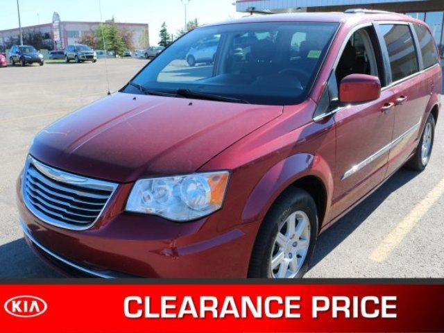 2012 CHRYSLER TOWN AND COUNTRY TOURING DUAL DVD Accident Free, Navigation (GPS), Rear DVD, Sunroof, Back-up Cam, Bluetooth, A in Sherwood Park, Alberta