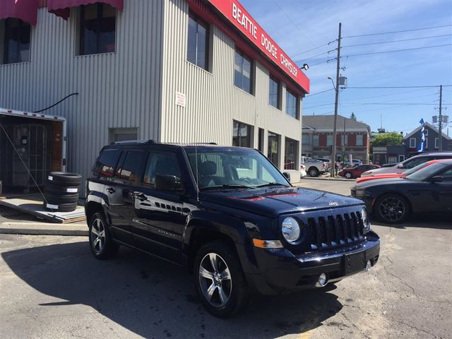 2016 JEEP PATRIOT High Altitude LEATHER/ HEATED SEATS/ SUNROOF in Brockville, Ontario
