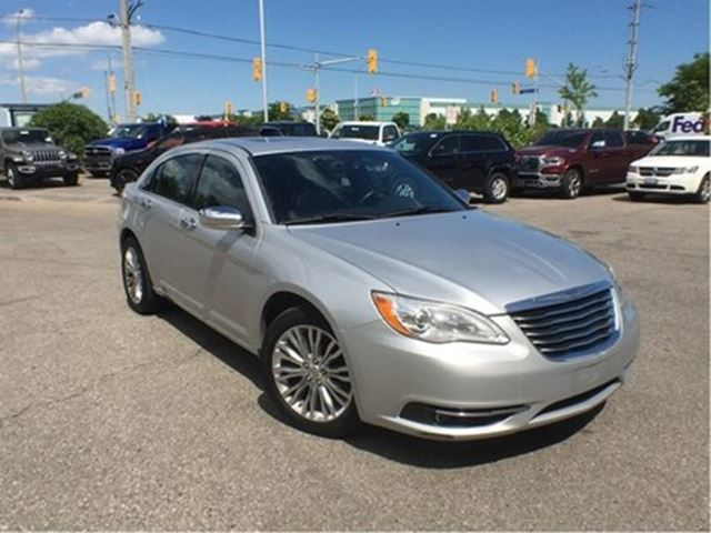2012 CHRYSLER 200 LIMITED**LEATHER**POWER SUNROOF** in Mississauga, Ontario