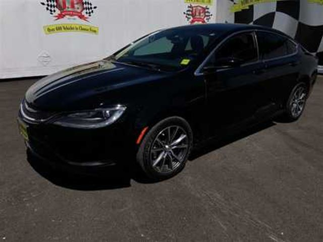 2015 CHRYSLER 200 LX, Automatic, Only 29,000km in Burlington, Ontario