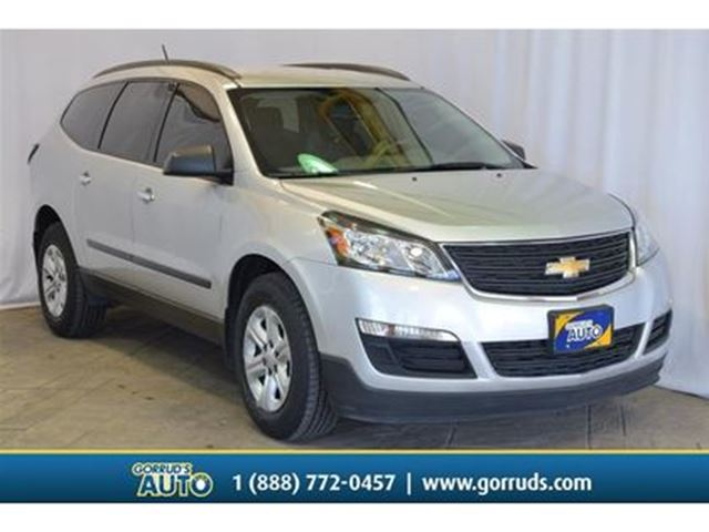 2016 CHEVROLET Traverse LS/FWD/CAMERA/BLUETOOTH/CLIMATE CONTROLS in Milton, Ontario