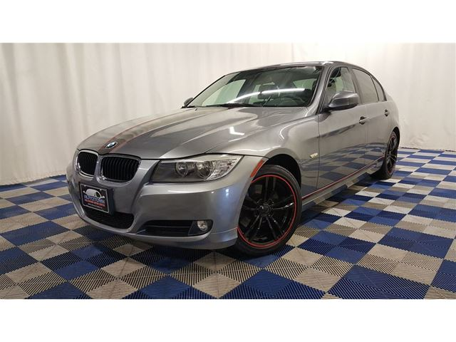 2011 BMW 3 Series i/ACCIDENT FREE/LEATHER/SUNROOF in Winnipeg, Manitoba