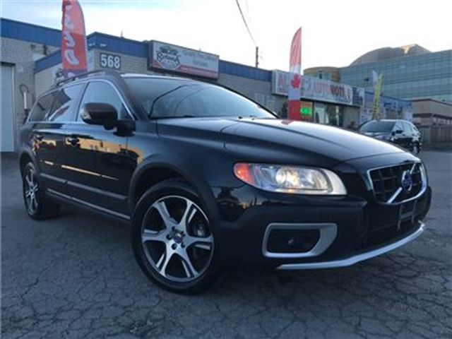 2012 VOLVO XC70 T6 _Blind spots_Leather_Sunroof_Warranty in Oakville, Ontario