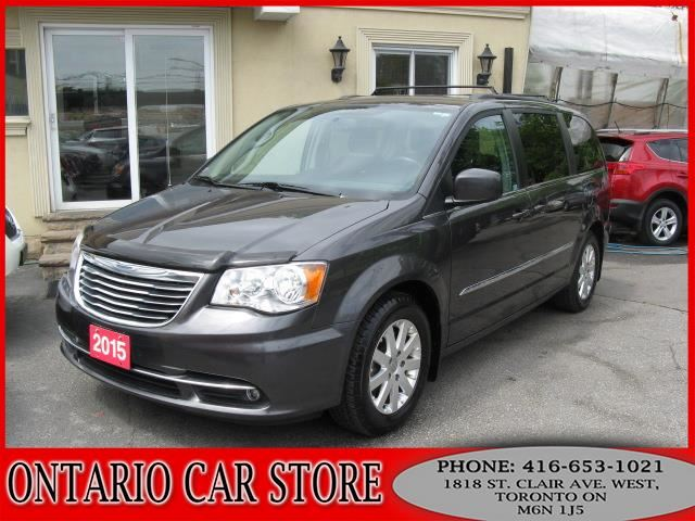 2015 CHRYSLER TOWN AND COUNTRY Touring NAVIGATION !!!NO ACCIDENTS!!! in Toronto, Ontario