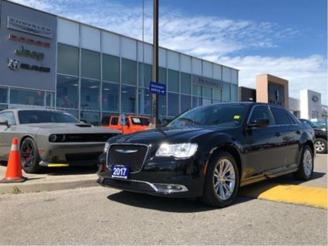 2017 CHRYSLER 300 Touring PANO ROOF NAV CAMERA REMOTE in Pickering, Ontario