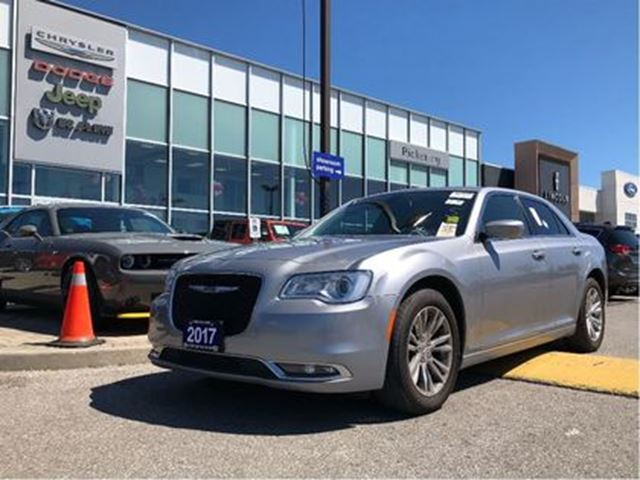 2017 CHRYSLER 300 Touring PANO SUNROOF NAV CAMERA REMOTE in Pickering, Ontario