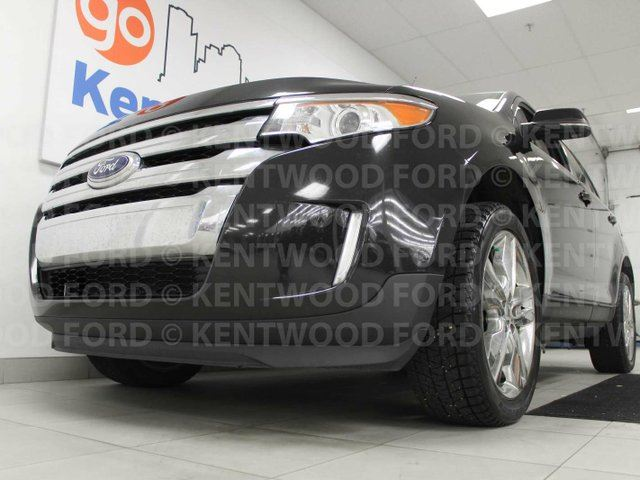 2014 LINCOLN MKX Limited AWD with NAV, sunroof, power heated leather seats, power liftgate and back up cam in Edmonton, Alberta