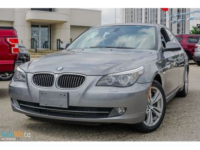 2010 BMW 5 SERIES i xDrive  NAVIGATION  SUNROOF  AWD in Cambridge, Ontario