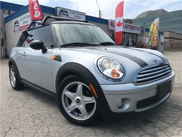 2009 MINI Cooper LEATHER_SUNROOF_ACCIDENT FREE in Oakville, Ontario