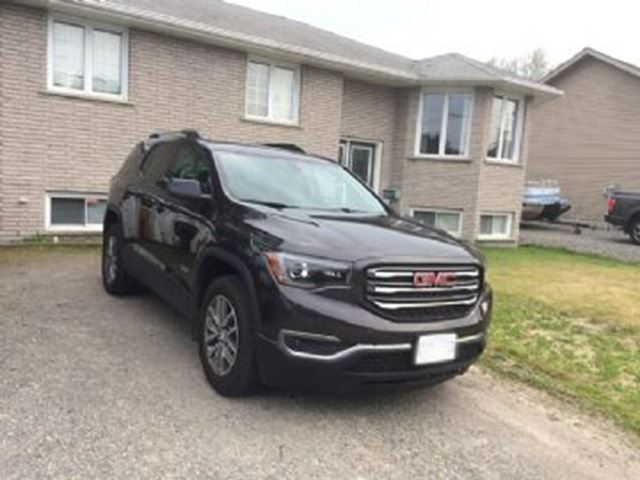2017 GMC ACADIA SLT AWD in Mississauga, Ontario
